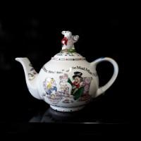 Alice in Wonderland - 2 Cup Tea Pot