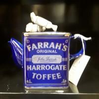 Ferrah Tea Pot
